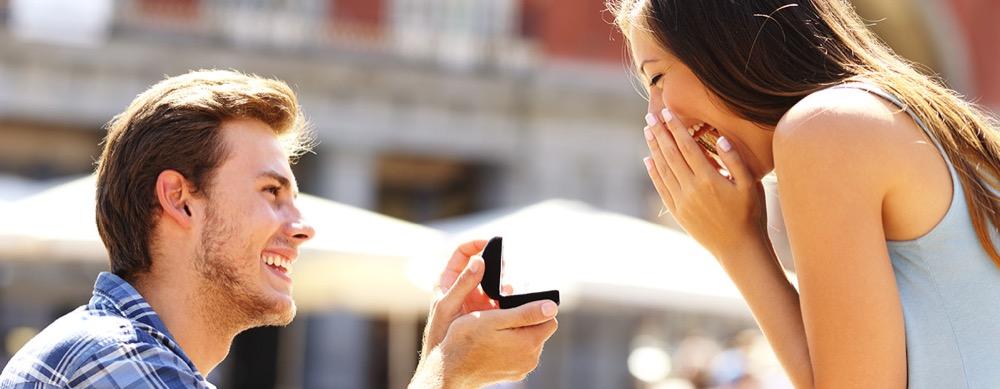 Ein Heiratsantrag sollte etwas besonderes seinm, zum Beispiel eine Limousine. Sagt sie Ja könnt ihr heiraten.